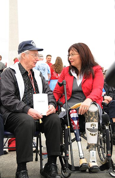 388px-Tammy_Duckworth_at_National_World_War_II_Memorial_for_premiere_of_The_Pacific_2010-03-11