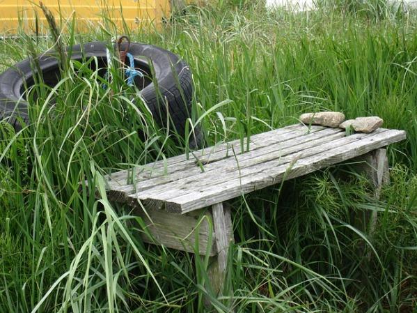 bench-83292_640