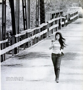 Bobby Gentry crossing the Tallahatchie Bridge